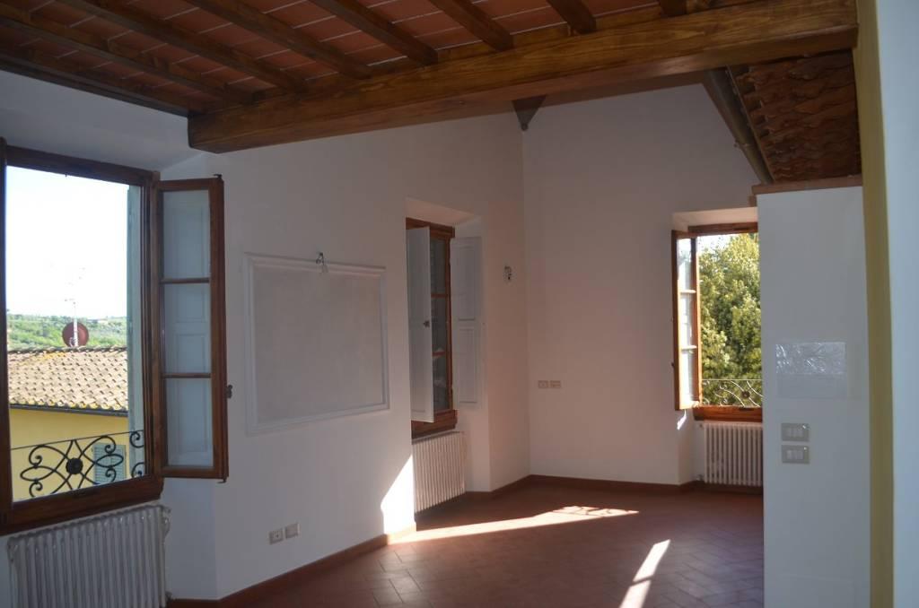 Appartamento in vendita a Scandicci, 5 locali, prezzo € 490.000 | CambioCasa.it
