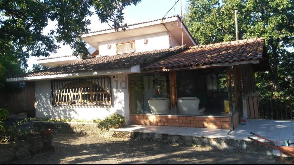 Villa in vendita a Gallicano nel Lazio, 5 locali, prezzo € 189.000 | CambioCasa.it