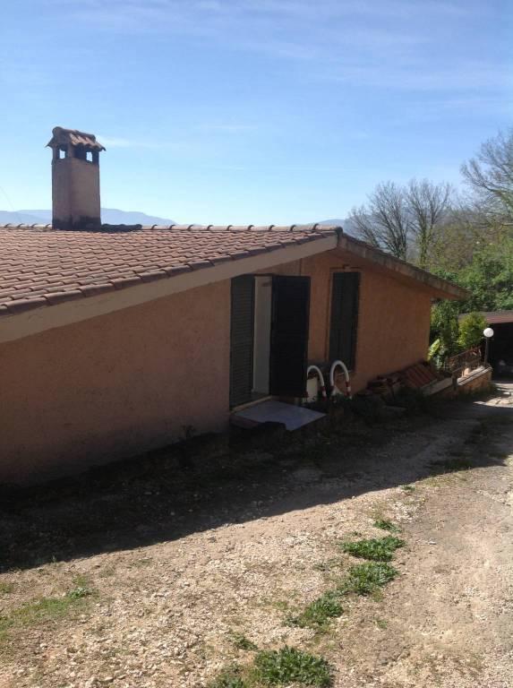 Villa in vendita a Paliano, 3 locali, prezzo € 52.000 | CambioCasa.it