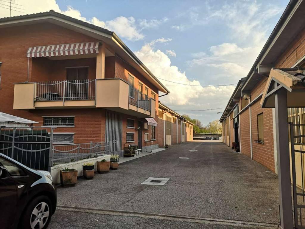 Capannone in vendita a Poirino, 5 locali, prezzo € 420.000 | CambioCasa.it