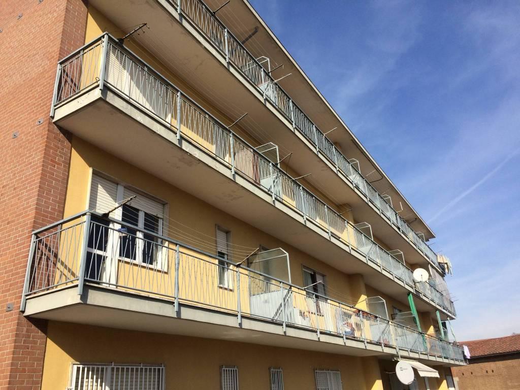 Appartamento in vendita a Santena, 3 locali, prezzo € 65.000 | PortaleAgenzieImmobiliari.it