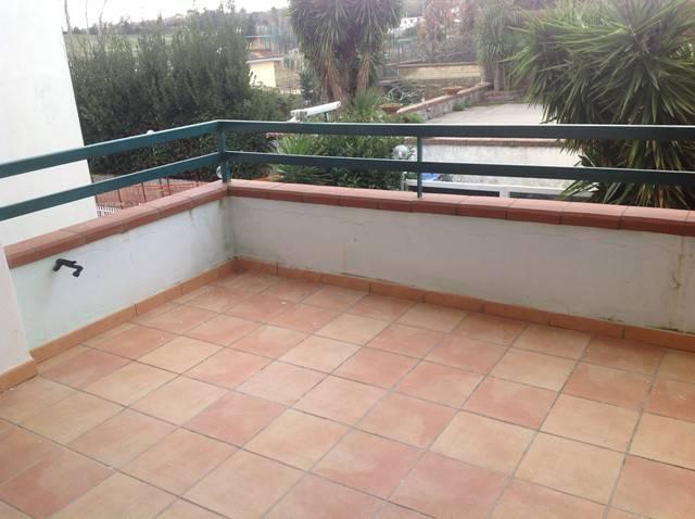 Appartamento in affitto a Pozzuoli, 3 locali, prezzo € 900 | CambioCasa.it