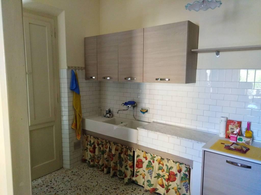 Appartamento in Affitto a Santa Maria A Monte: 5 locali, 90 mq