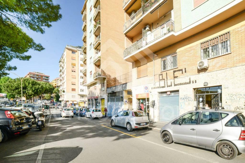 Ristorante / Pizzeria / Trattoria in vendita a Roma, 1 locali, zona Zona: 23 . Portuense - Magliana, prezzo € 26.000   CambioCasa.it