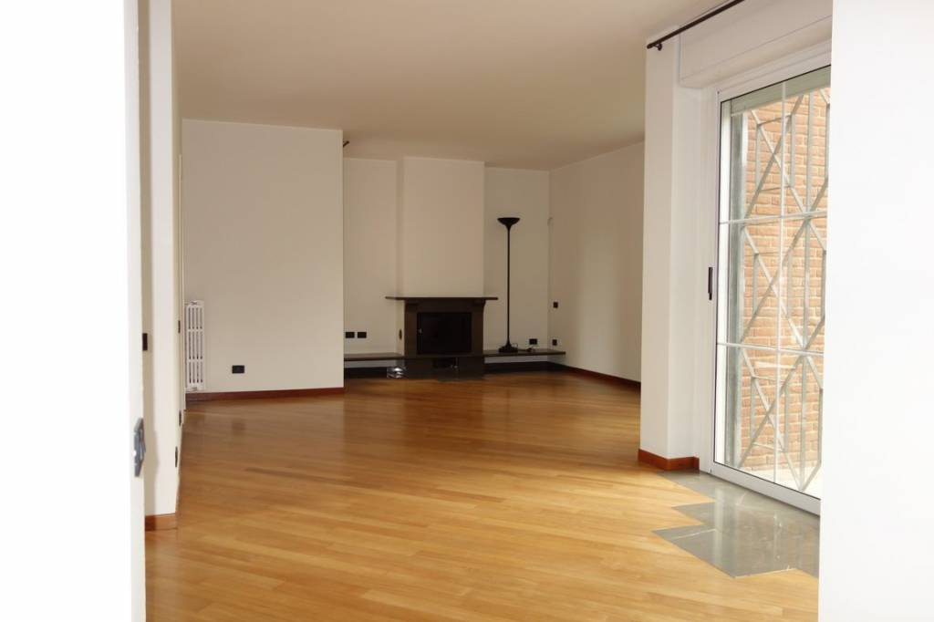 Villa in Affitto a Arese: 5 locali, 452 mq