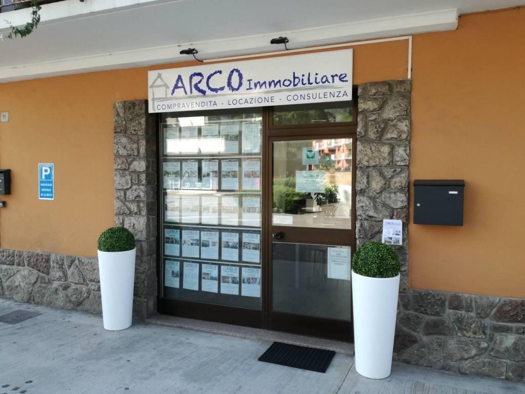 Foto magazzino/capannone in vendita a Arco (Trento)