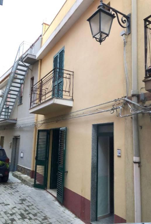 Appartamento in Vendita a Messina Periferia Nord: 5 locali, 105 mq