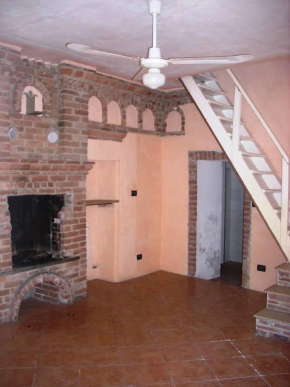Foto 1 di Casa indipendente via Primo Levi 1, frazione Grange, Front