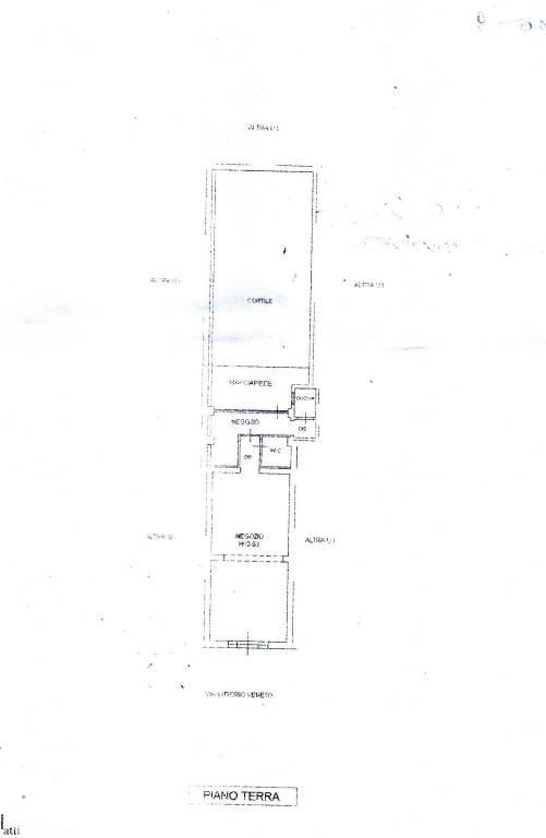 Negozio-locale in Vendita a Pontedera Semicentro: 3 locali, 54 mq