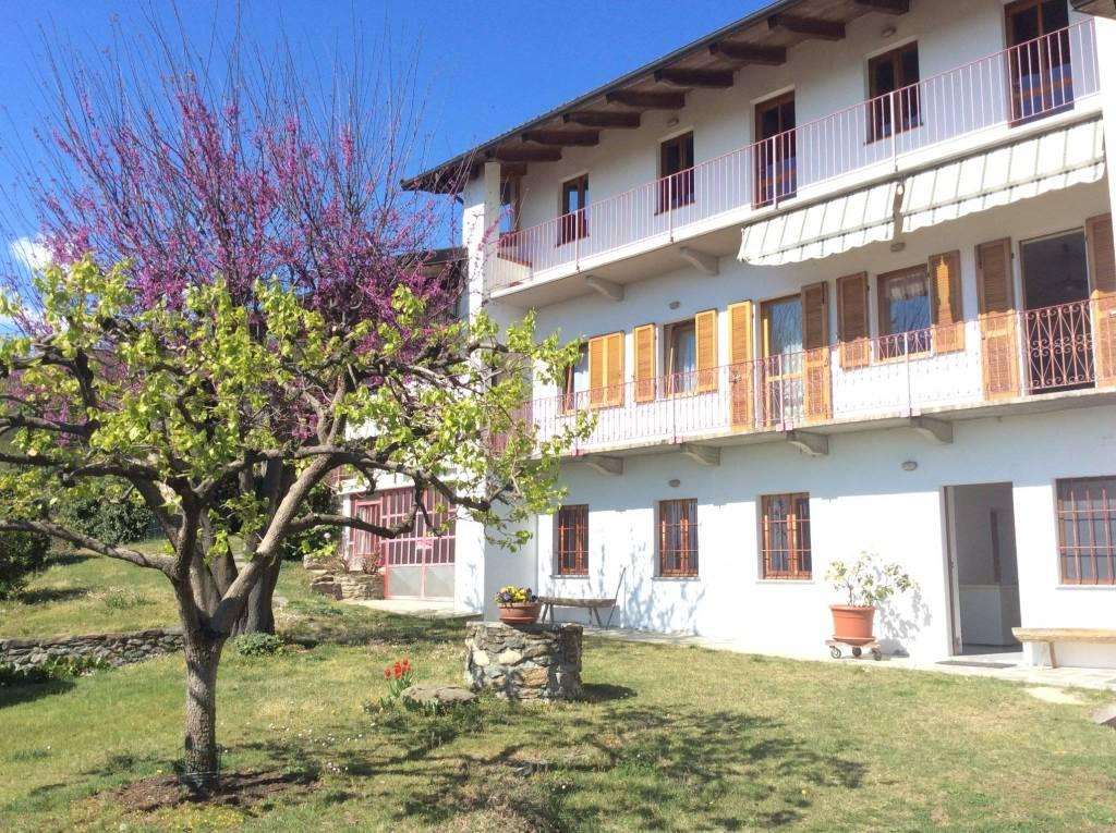 Foto 1 di Villa strada Broglina 8, Bollengo