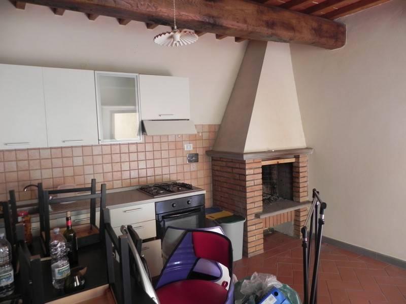 Appartamento in buone condizioni in affitto Rif. 8284686