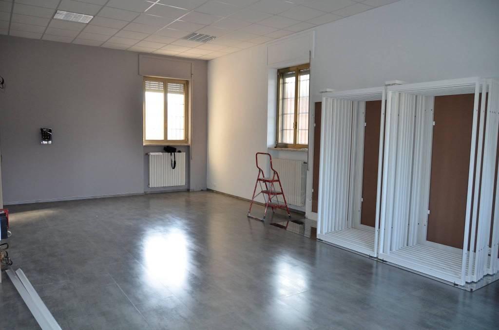 Negozio / Locale in affitto a Castelverde, 3 locali, prezzo € 550 | PortaleAgenzieImmobiliari.it