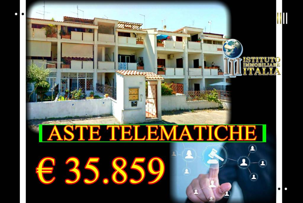 Appartamento in buone condizioni in vendita Rif. 8561441