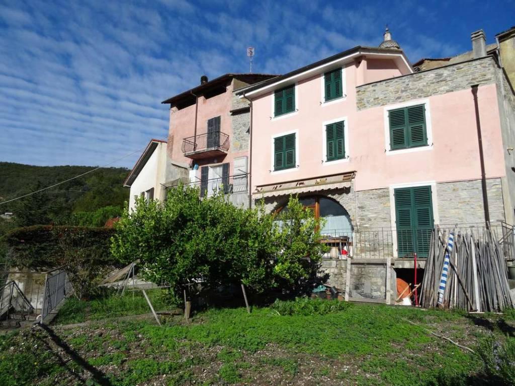 Foto 1 di Rustico / Casale Frazione Curenna 40, frazione Curenna, Vendone