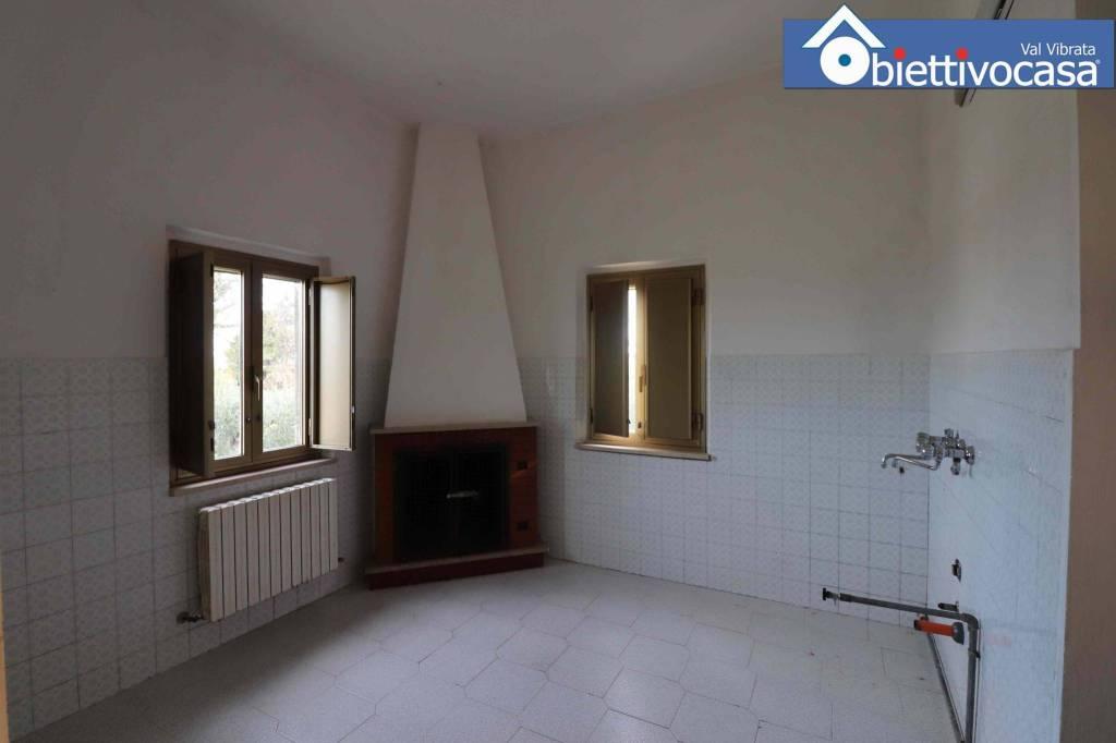 Rustico / Casale in buone condizioni in vendita Rif. 5277429