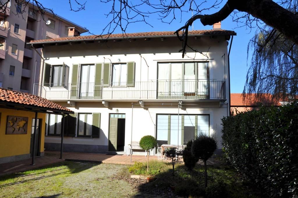 Foto 1 di Villa via Giuseppe Garibaldi 3, Santena