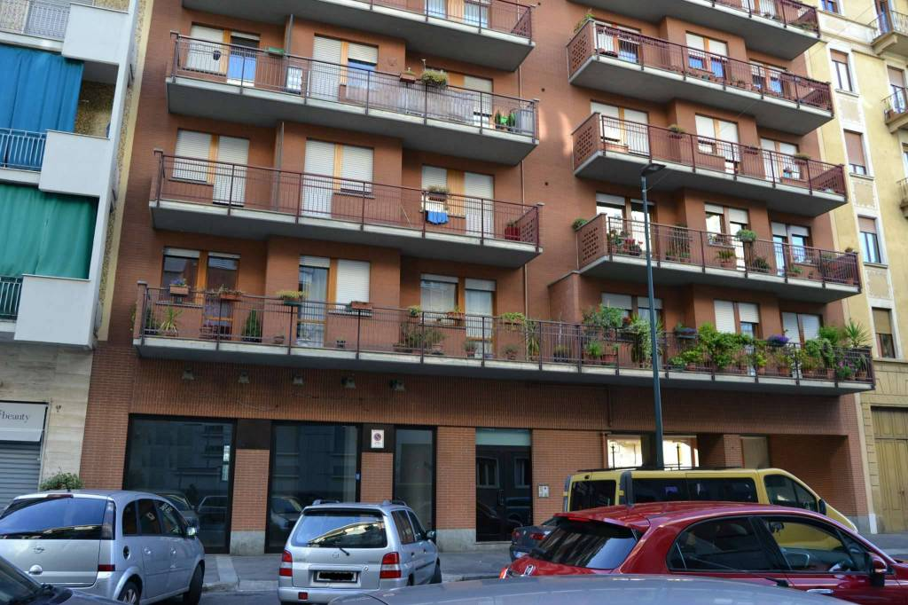 Negozio in affitto Zona Lingotto - via Tunisi Torino