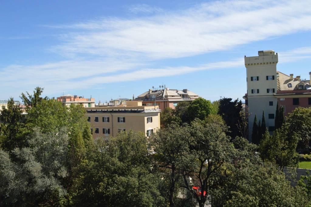 Foto 1 di Attico / Mansarda viale Francesco Gandolfi 15, Genova (zona Carignano, Castelletto, Albaro, Foce)