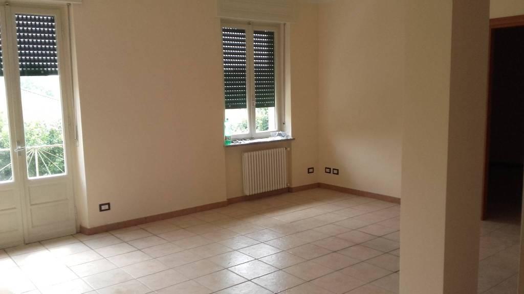 Appartamento in ottime condizioni parzialmente arredato in affitto Rif. 8921642