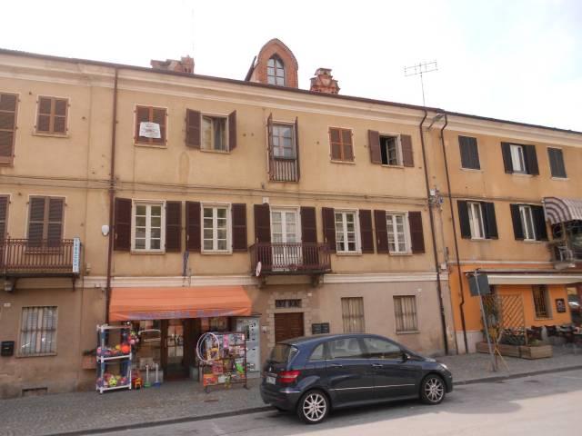 Appartamento in buone condizioni in vendita Rif. 6742950