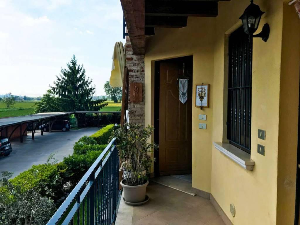 Appartamento in vendita a Lonato, 3 locali, prezzo € 110.000 | CambioCasa.it