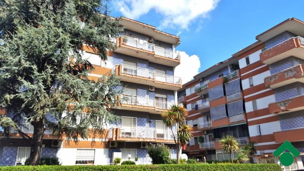 Appartamento da ristrutturare in vendita Rif. 9225768