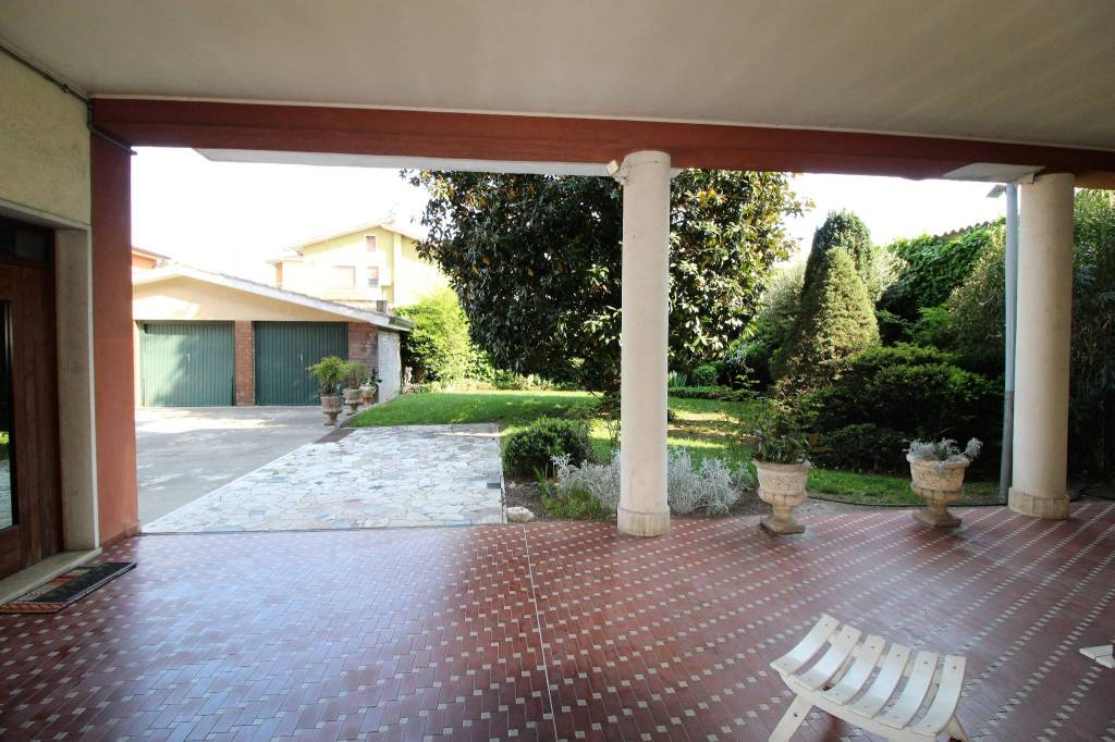 Appartamento in vendita a Villafranca di Verona, 4 locali, prezzo € 160.000 | PortaleAgenzieImmobiliari.it