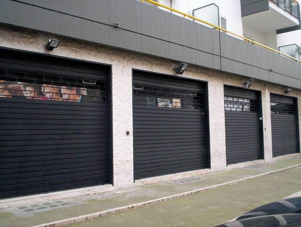 Negozio / Locale in affitto a Triggiano, 1 locali, prezzo € 2.000 | CambioCasa.it