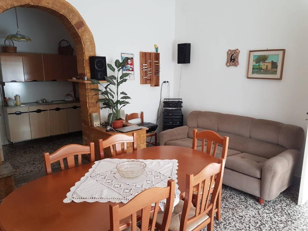 Appartamento in Vendita a Otranto: 5 locali, 110 mq