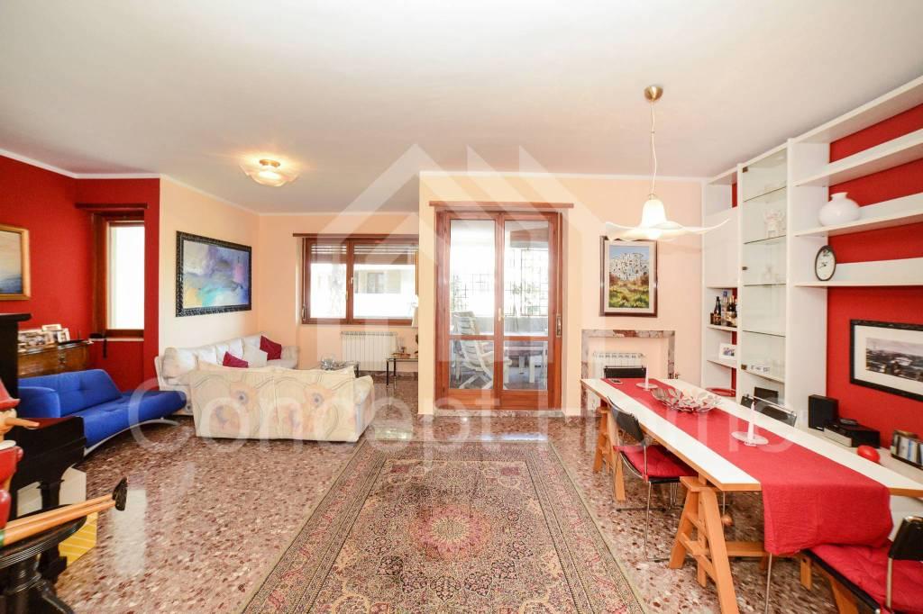 Appartamento in vendita a Roma, 4 locali, prezzo € 495.000 | CambioCasa.it