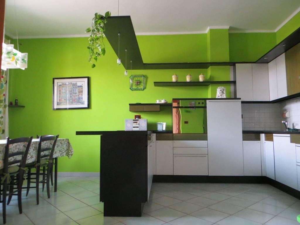 Appartamento in affitto a Grugliasco, 4 locali, prezzo € 745 | CambioCasa.it