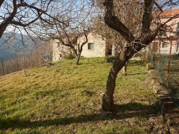Foto 1 di Casa indipendente via Carlo Alberto, Perletto