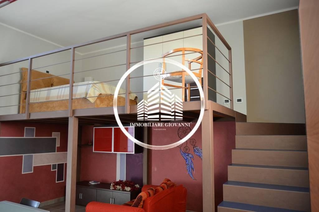 Appartamento in ottime condizioni arredato in affitto Rif. 7748955