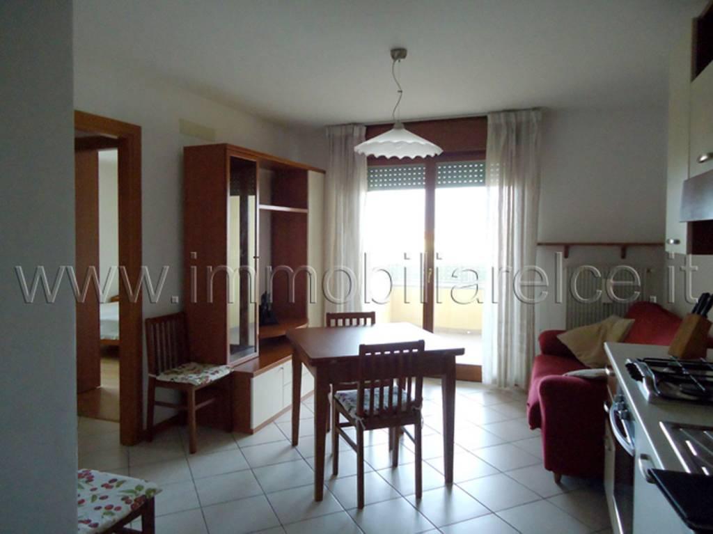 Appartamento in buone condizioni arredato in vendita Rif. 8845389