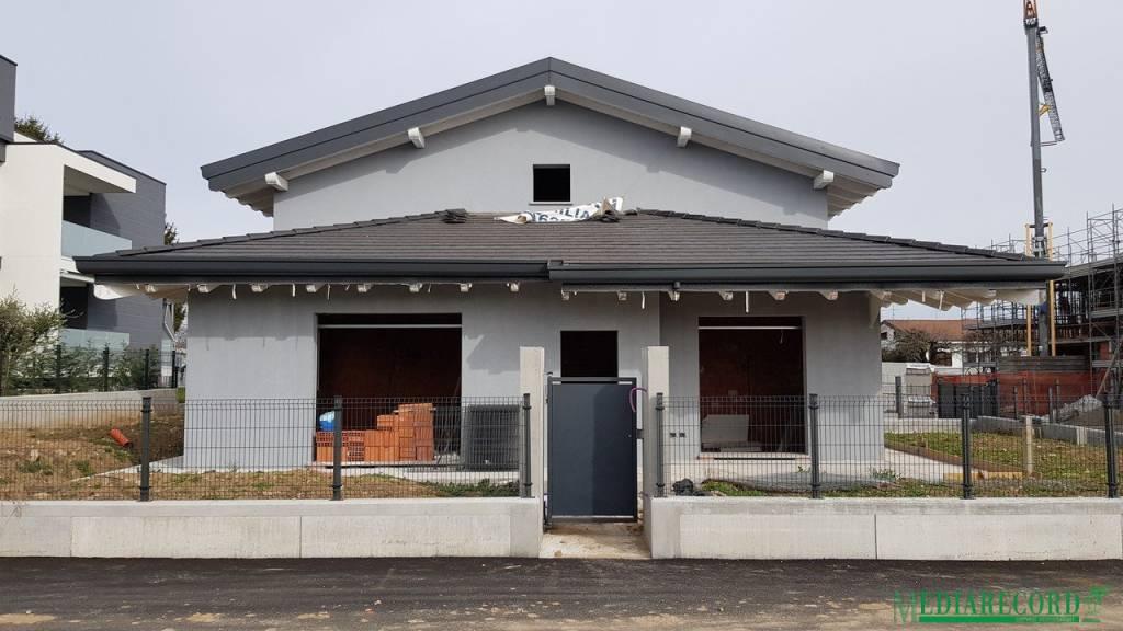 Villa in vendita a Veniano, 4 locali, prezzo € 298.000 | PortaleAgenzieImmobiliari.it