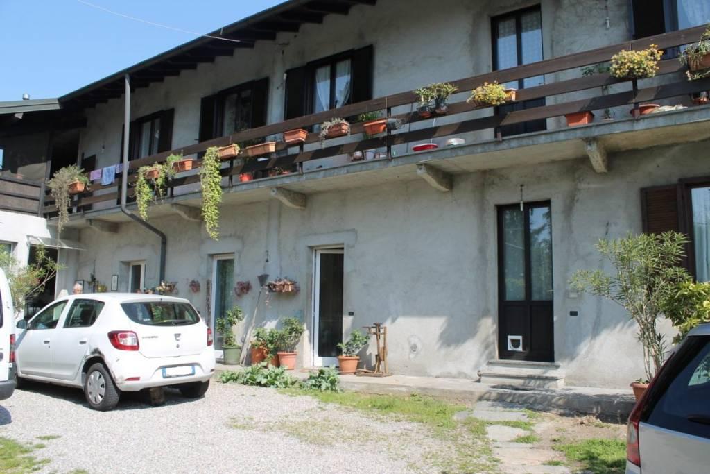 Appartamento in vendita a Somma Lombardo, 3 locali, prezzo € 179.000 | CambioCasa.it