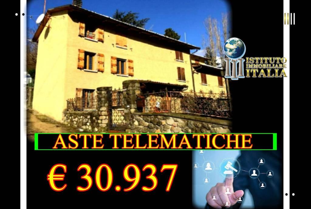 Appartamento in buone condizioni in vendita Rif. 8910567