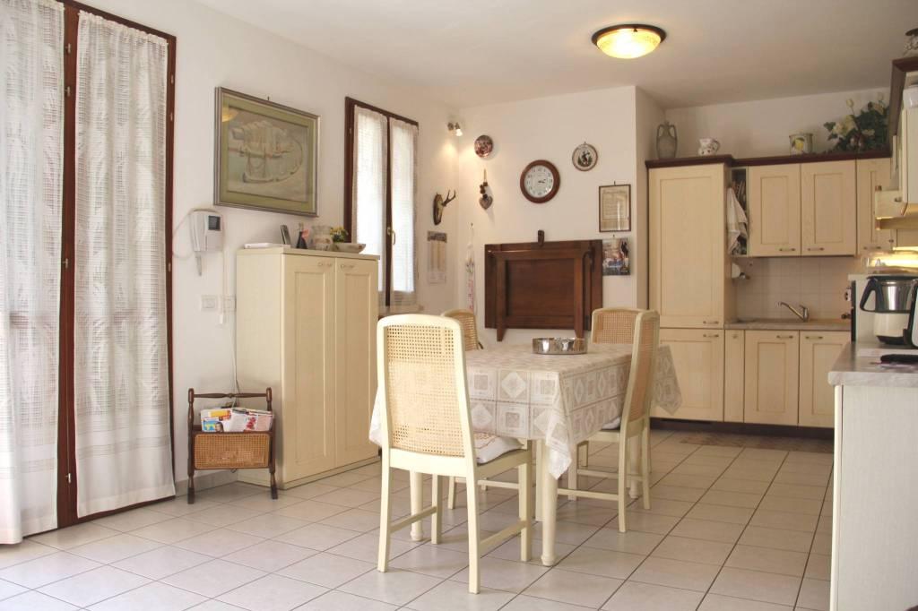 Appartamento in Vendita a San Mauro Pascoli Centro: 4 locali, 122 mq