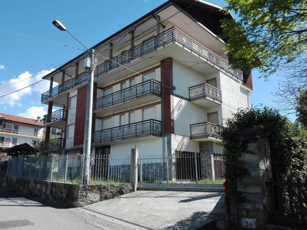 Foto 1 di Bilocale via Molaro 208, Coassolo Torinese