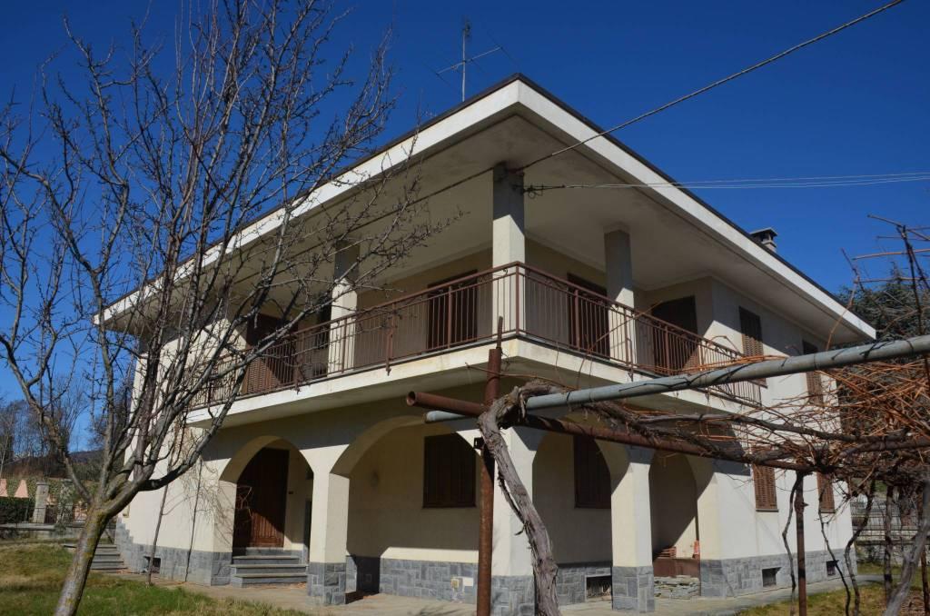Foto 1 di Villa via Monviso 7, Dronero