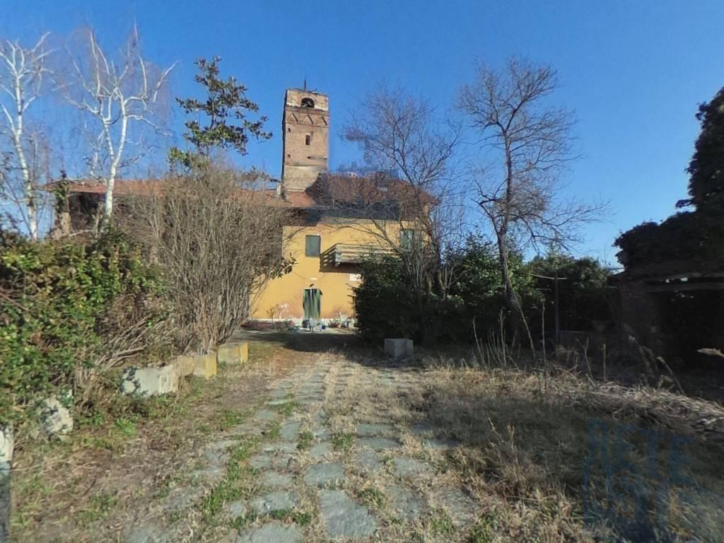 Rustico / Casale in vendita a Lauriano, 6 locali, prezzo € 110.000 | PortaleAgenzieImmobiliari.it