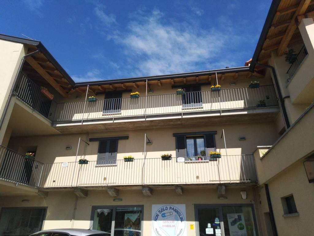 Appartamento in affitto a Lurago d'Erba, 2 locali, prezzo € 450 | CambioCasa.it