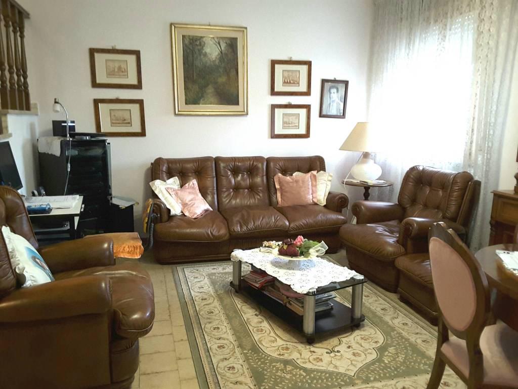 Villa in Vendita a Ravenna Semicentro: 5 locali, 179 mq