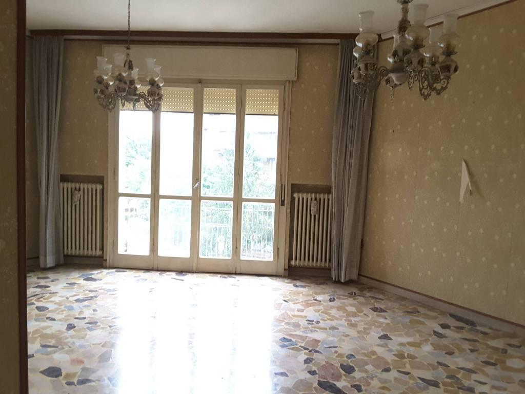 Appartamento in Vendita a Ravenna Semicentro: 4 locali, 100 mq