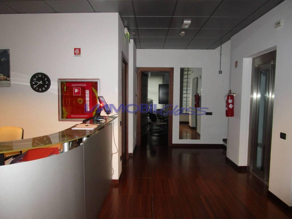 Ufficio / Studio in affitto a Como, 6 locali, prezzo € 3.750 | PortaleAgenzieImmobiliari.it