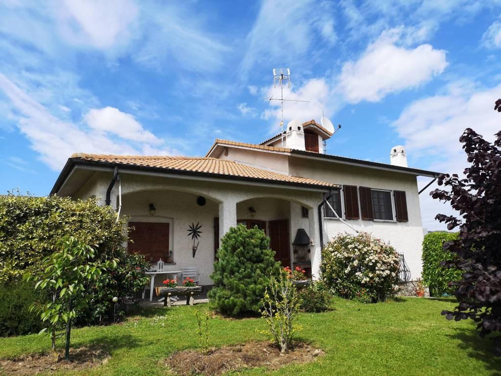 Foto 1 di Villa Lesegno