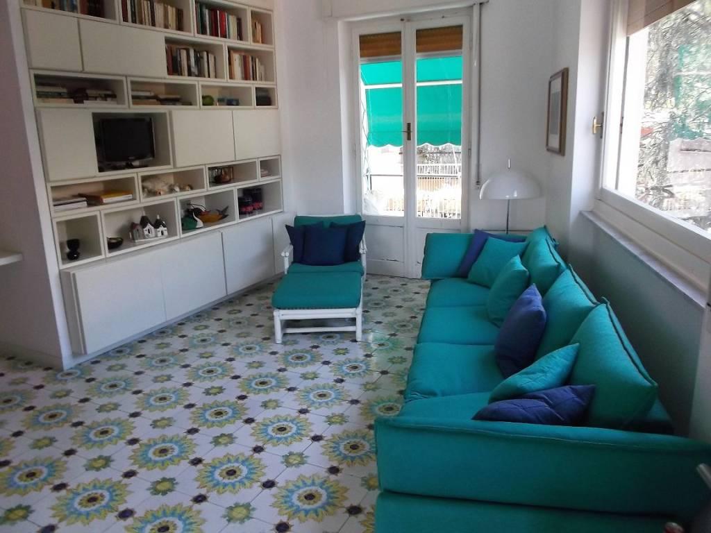 Appartamento in buone condizioni arredato in affitto Rif. 7946700