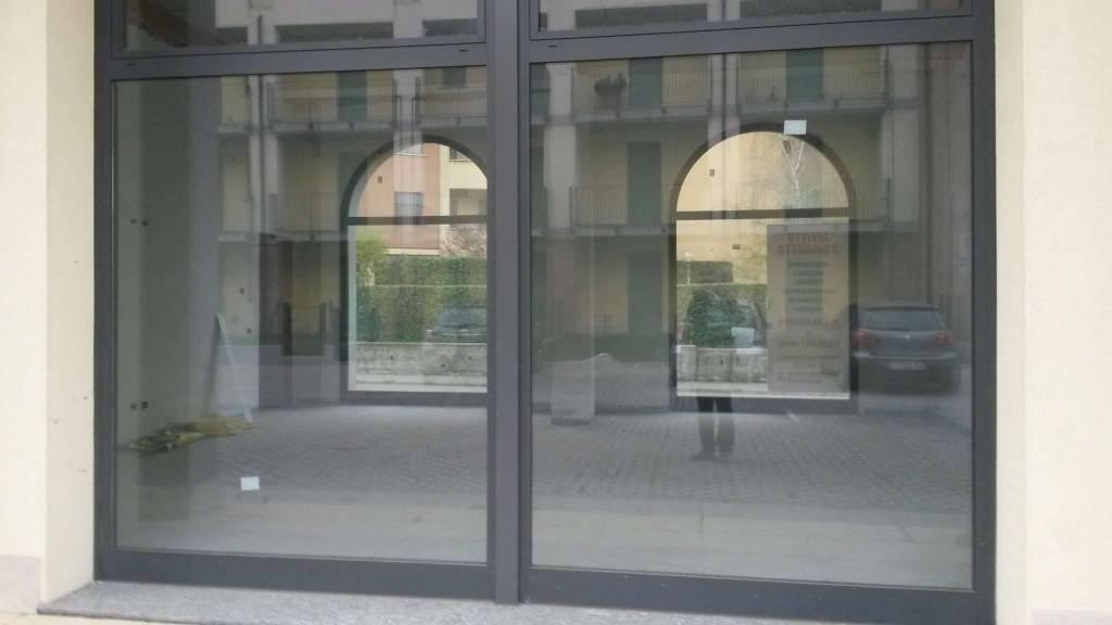 Negozio / Locale in vendita a Fagnano Olona, 2 locali, prezzo € 122.000 | PortaleAgenzieImmobiliari.it
