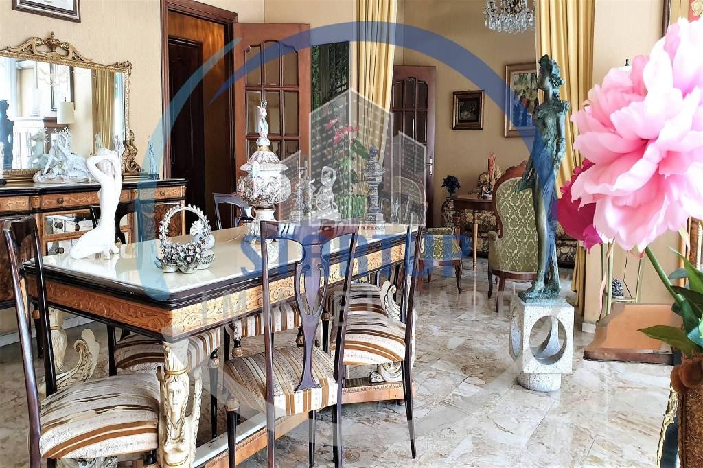 Appartamento in vendita a Milano, 6 locali, prezzo € 1.170.000 | CambioCasa.it