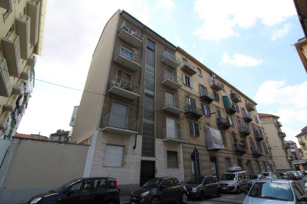 Foto 1 di Bilocale via Parma 12, Torino (zona Valdocco, Aurora)